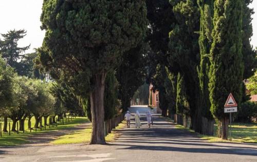 streets of rome nun
