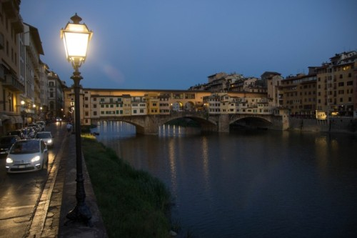 florence ponte vecchio by night