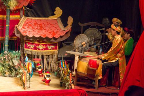 vietnam water puppet show
