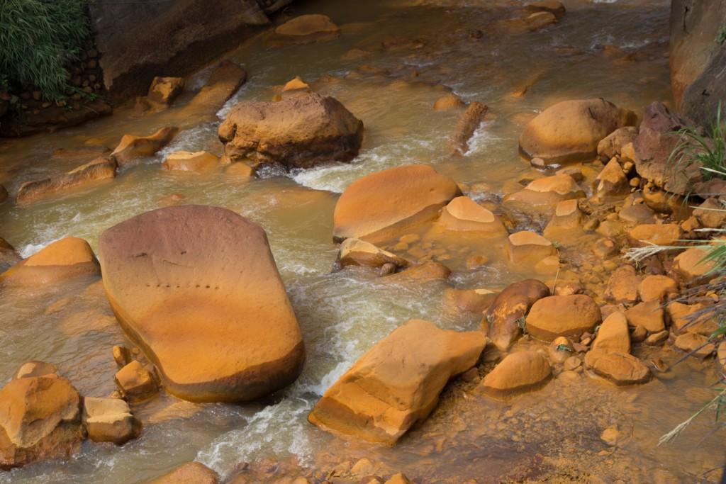 Jiufen Golden Rocks