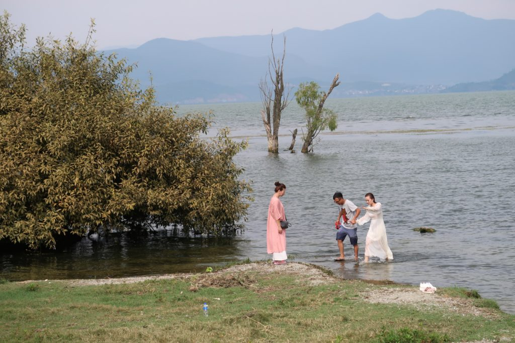 Dali Erhai Lake Wedding Photography in Lake