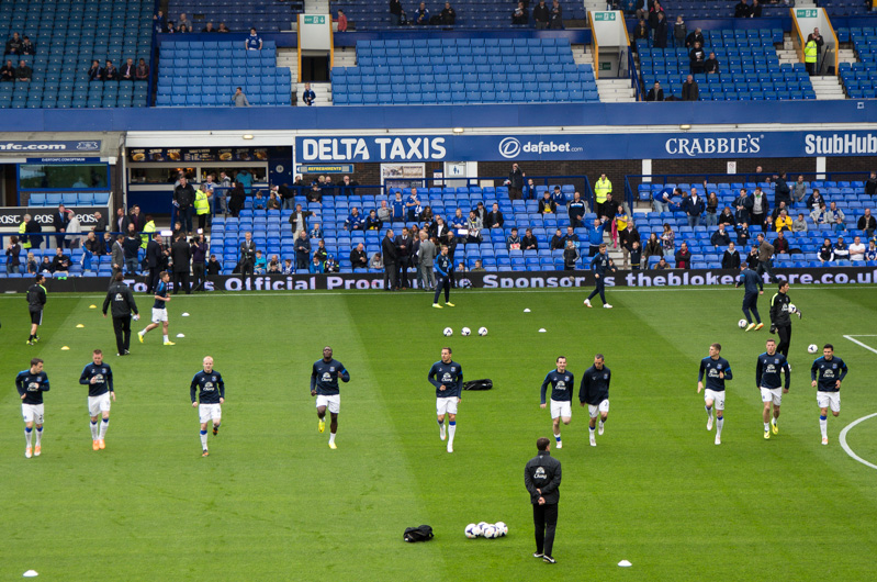everton players warmup training